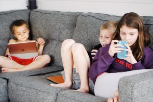 The 4 C's to safe social media use for kids during lockdowns